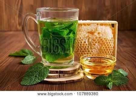 Honeycomb And Mint Tea