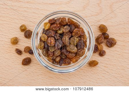 Raisins in the glassy pialat