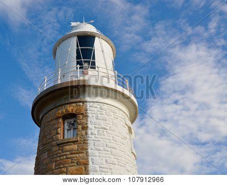 Woodman Point Lighthouse: Split in Two