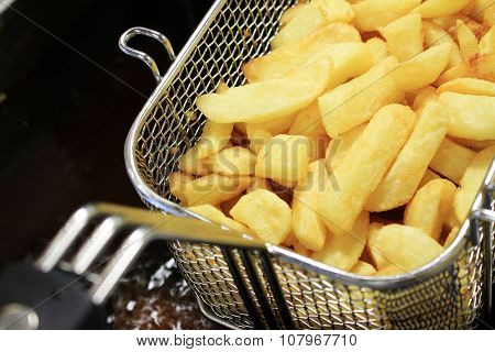 cooking fried chips