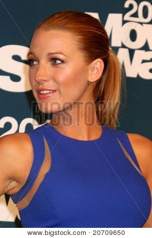 LOS ANGELES - JUN 5:  Blake Lively in the press room of the 2011 MTV Movie Awards at Gibson Ampitheatre on June 5, 2011 in Los Angeles, CA