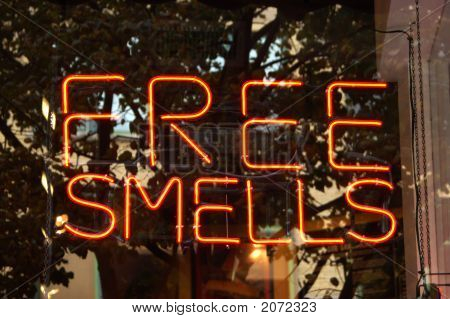 Free Smells Sign