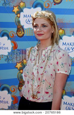 SANTA MONICA - MAR 14: Mischa Barton at the Kevin + Steffiana James + Make-A-Wish Foundation Host A Day of Fun at the Santa Monica Pier in Santa Monica, California on March 14, 2010.