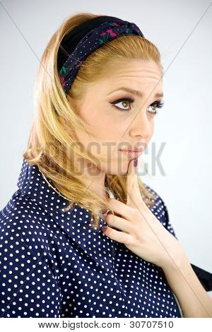Blond model pensive