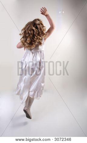 Fluing Mädchen