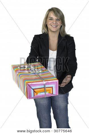 blond Girl mit Geschenk