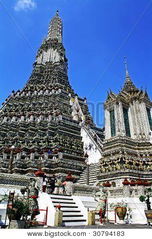 Prang of Wat Arun Rajwararam