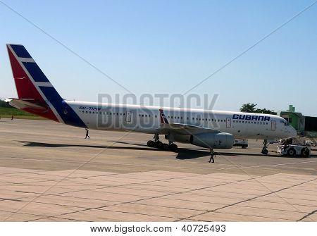 Cubana airlines Tu-204 jet