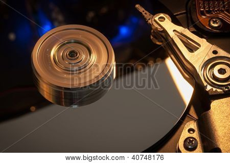 Hard Disk Platter With a Read/Write Head