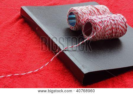 String tie.