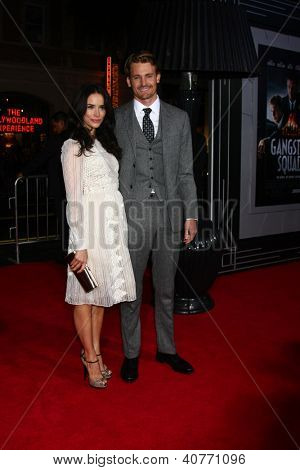 LOS ANGELES - JAN 7:  Abigail Spencer, Josh Pence arrives at the 'Gangster Squad' Premiere at Graumans Chinese Theater on January 7, 2013 in Los Angeles, CA