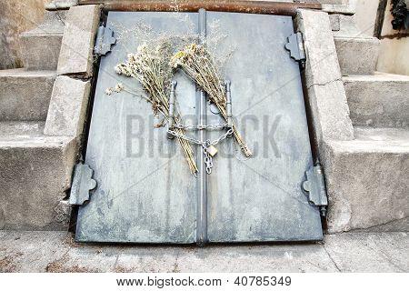 Grave In The Cemetery  Of Recoleta.