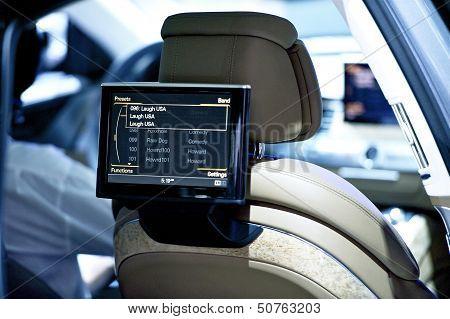 Back Seat Car Display