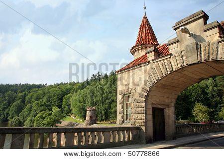 Dam Les Kralovstvi in B�l� T?eme�n�, Czech Republic