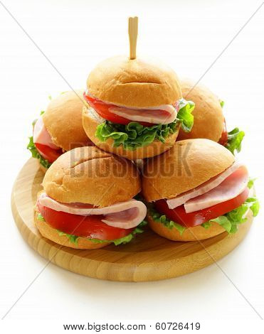 mini burgers with ham and vegetables - snacks for parties and picnics