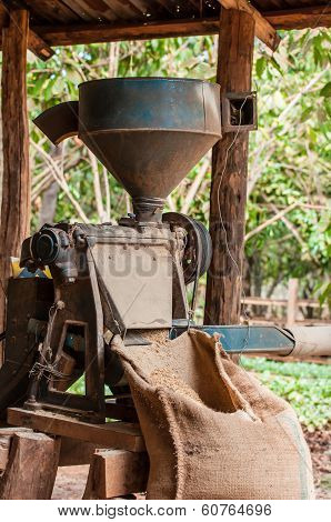 coffee hulling machine