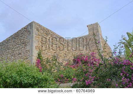 Drystone Building Without Windows