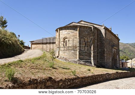 Apse Of The Santiago Church In Villafranca Del Bierzo.