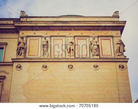Retro Look Neues Museum
