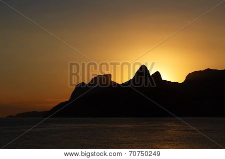 Sunset Mountain Sea Beach Ipanema, Leblon, Rio De Janeiro