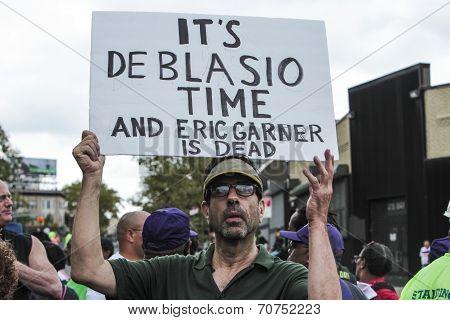 It's De Blasio Time sign