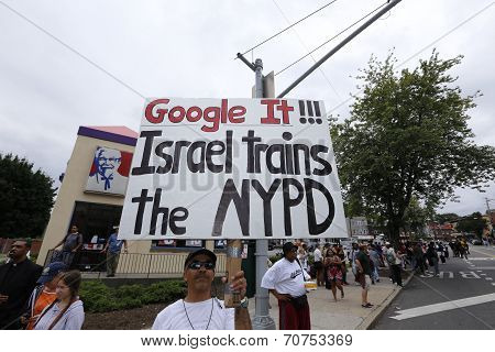 IDF trains NYPD sign