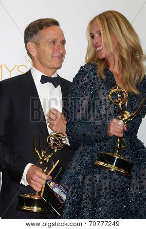 LOS ANGELES - AUG 25:  Dante Di Loreto, Julia Roberts at the 2014 Primetime Emmy Awards - Press Room at Nokia Theater at LA Live on August 25, 2014 in Los Angeles, CA