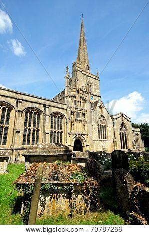 Burford church and churchyard.