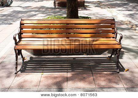 Bench Public