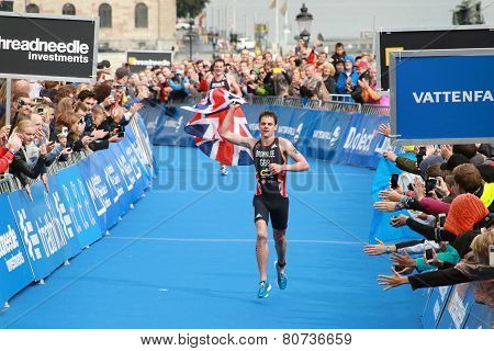 Jonathan And Alistair Brownlee - Finish