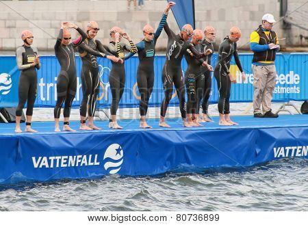 Warming Up Before The Start - Triathlon, Women