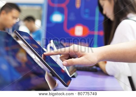 touch tablet screen and operate
