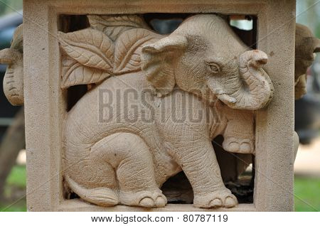 Elephant statues delicate and beautifu