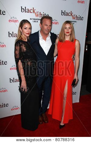 LOS ANGELES - JAN 20:  Christine Baumgartner, Kevin Costner, Lily Costner at the
