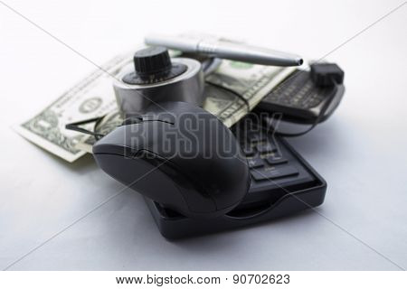 Mouse affair with dollars (taxes) and phone