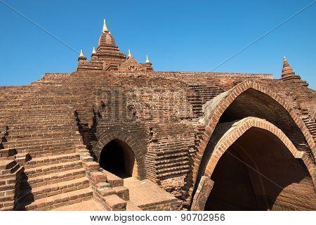 Pagoda And Temple In Bagan - Pyathada