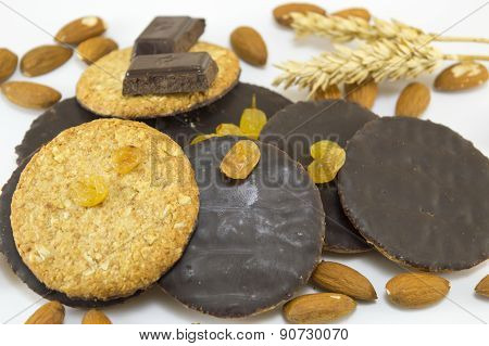 Integral Chocolate Cookies With Almonds And Wheat
