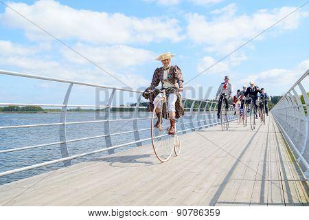 Costume Ride