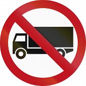 picture of traffic rules  - Colombian traffic sign prohibiting thoroughfare of lorries  - JPG