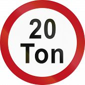 picture of traffic rules  - Colombian traffic sign prohibiting throroughfare of vehicles with a weight over 20 metric tons - JPG
