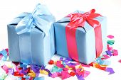 picture of tied  - Charming present - JPG