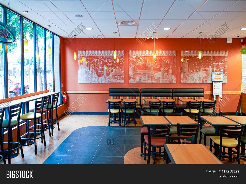 Fast food restaurant decor ideas - Nice France August 15 2015 Subway Fast Food Restaurant Interior Subway