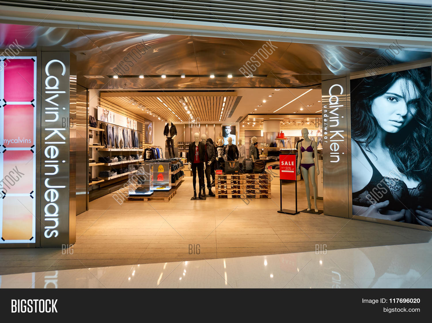 hong kong january 26 2016 entryway to calvin klein store at elements shopping mall calvin. Black Bedroom Furniture Sets. Home Design Ideas