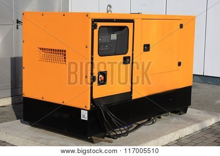 Yellow Auxiliary Diesel Eenerator For Emergency Electric Power