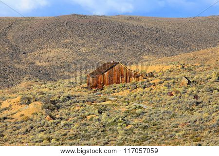Old home in California desert near Bodie