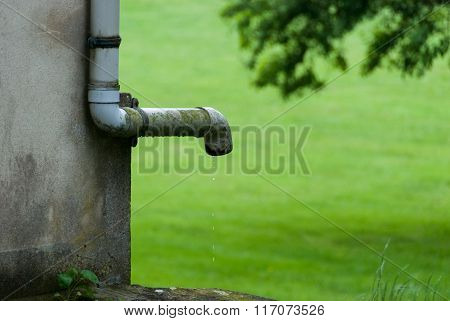 Water leaking from a rain gutter