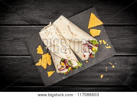 Tortilla with a mix of ingredients