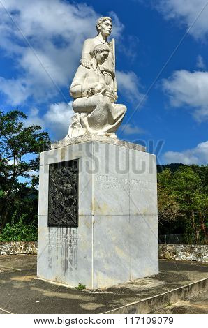 Monument To The Puerto Rican Countryman