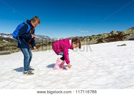 Kids On Hardangervidda In Norway