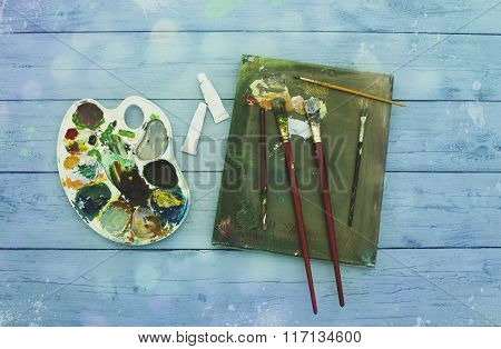Painter Equipement Easel Colors Wood Workspace